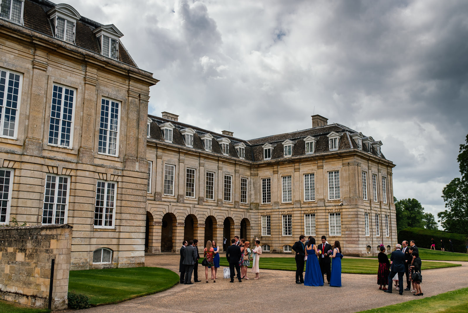 wedding guests arriving at boughton house northamptonshire