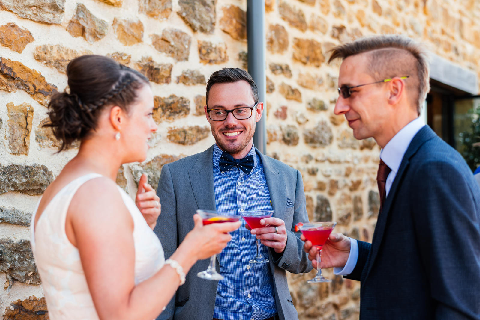 wedding guests enjoying cocktails