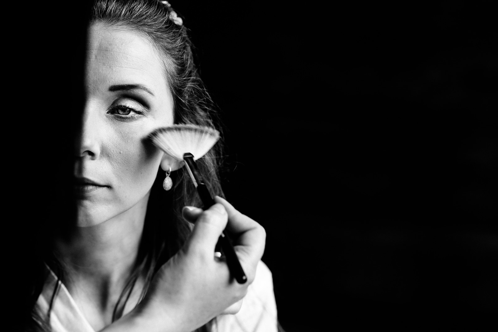 black and white bride make up photo