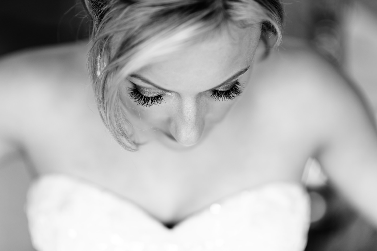bride's eye lashes