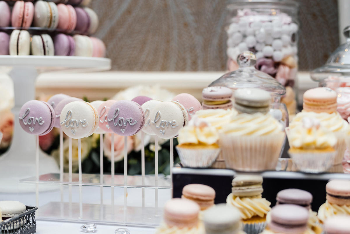 wedding day macaroons and cupcakes