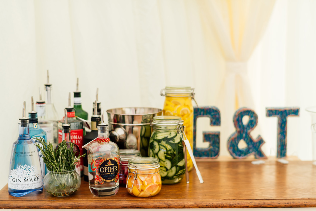 gin and tonic station