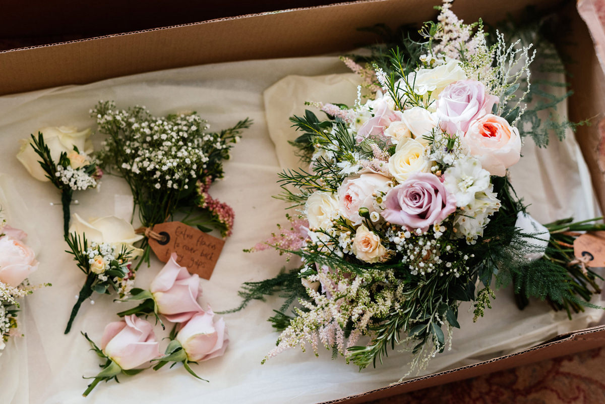 wedding bouquet florals roses