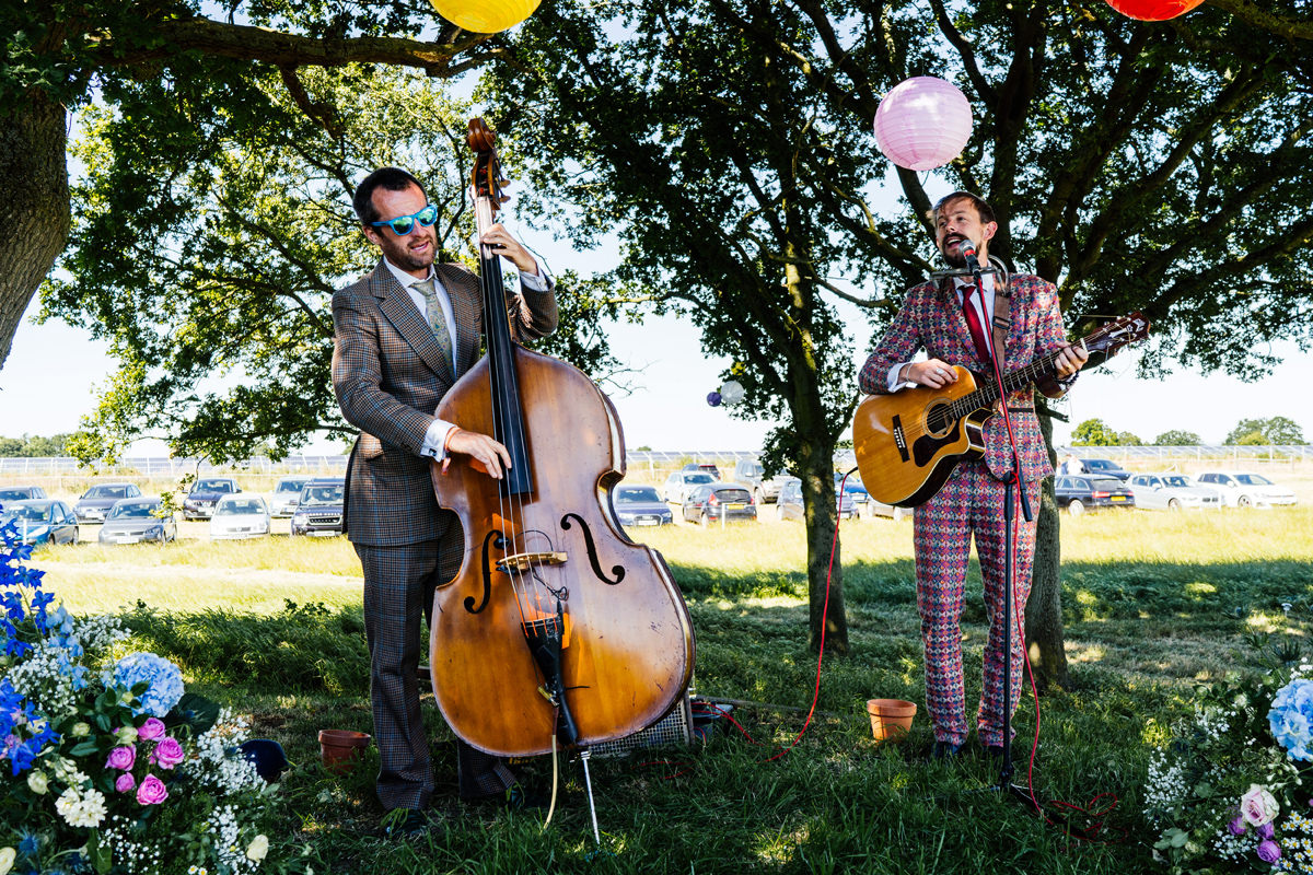 quirky music group entertaining wedding guests