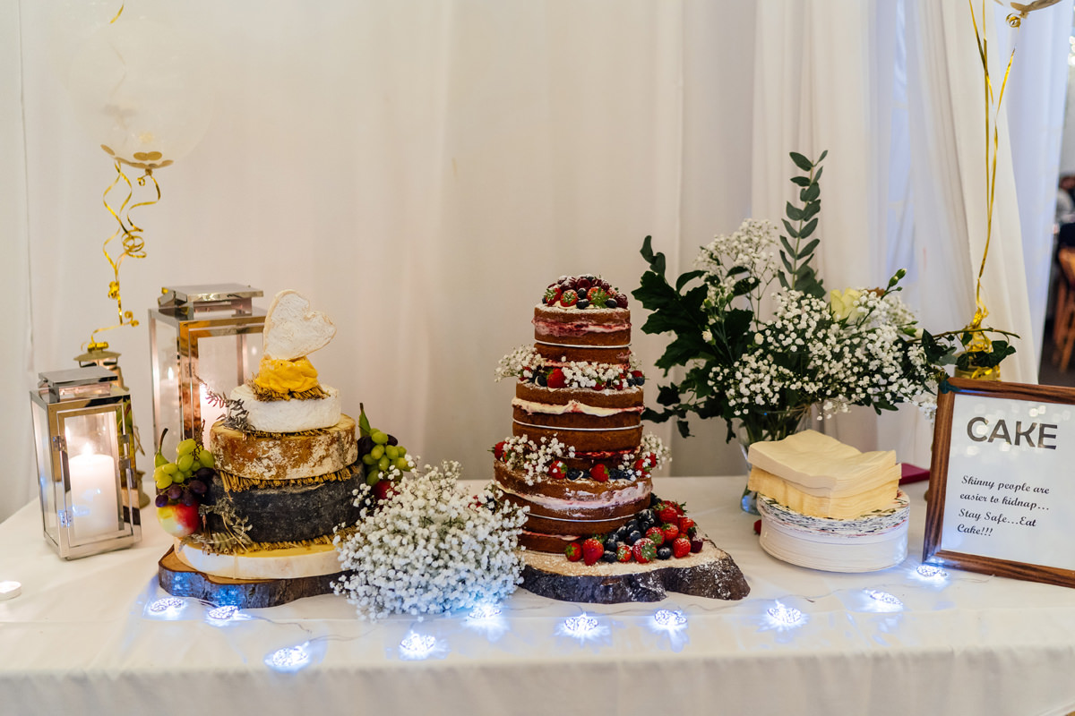 wedding cake and cake of cheese